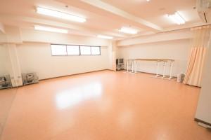 笹塚のダンススタジオの床、全体画像